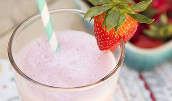 Southeast Dairy Association - Strawberry Yogurt Smoothie