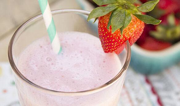 Southeast Dairy Association - Strawberry Yogurt Smoothie