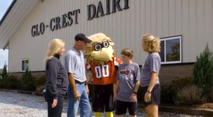 Southeast Dairy Association - Freddie Falcon Visits Glo-Crest Dairy